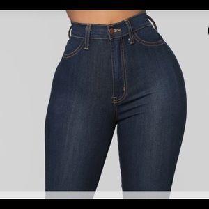 Fashion Nova classic high waisted skinny jeans 31